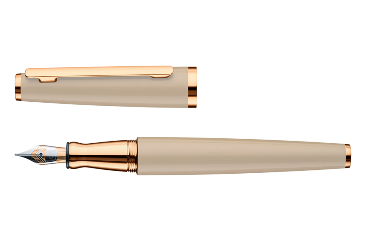 Otto Hutt Design 06 Sand Fountain Pen